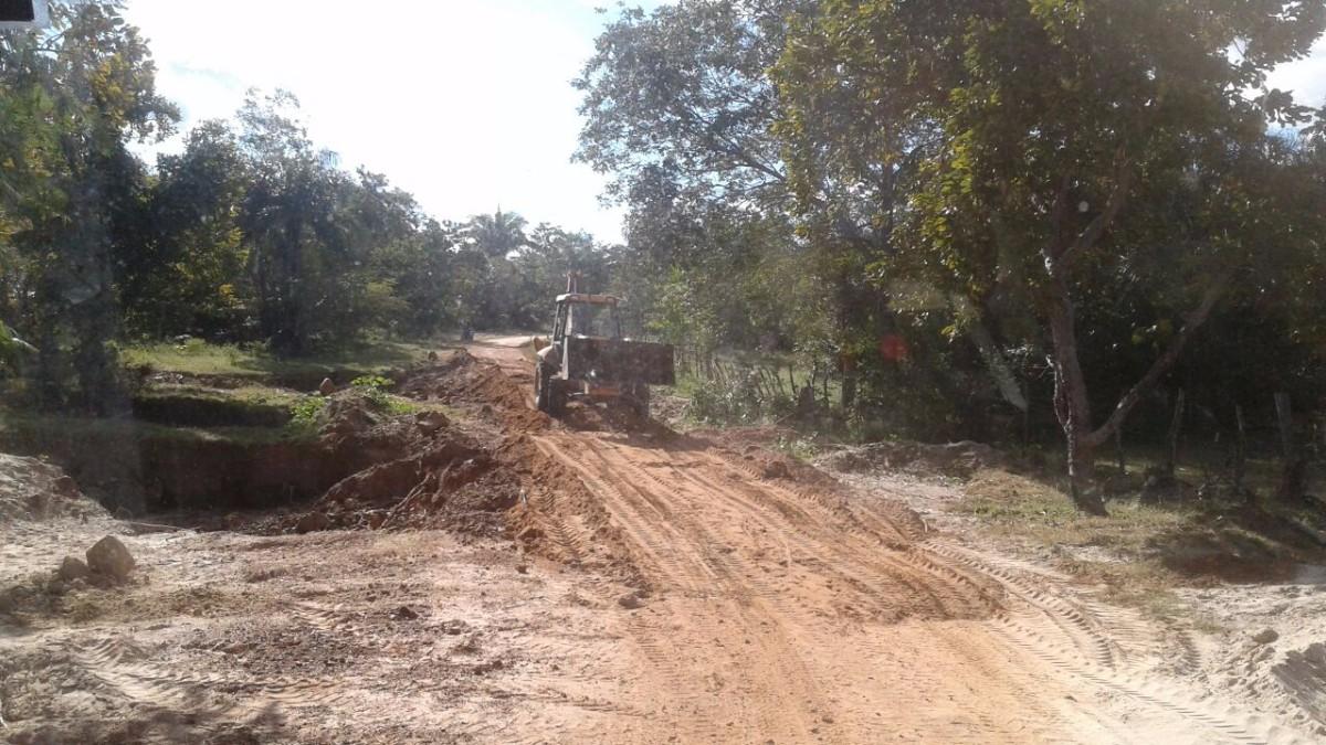 Prefeitura de Pau D'arco recupera estradas vicinais