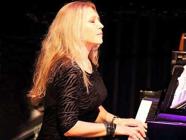 Pianista brasileira leva o Grammy de melhor álbum de jazz latino