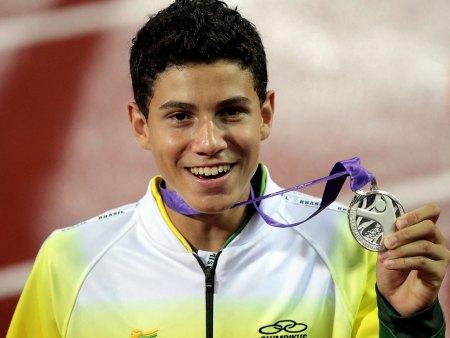 o jovem saltador tinha também como objetivo, os Jogos Pan-Americanos de Juniores que ele ganhou com 5.20 metros