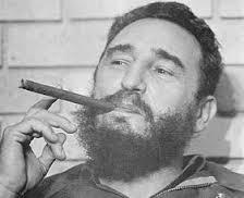 Fidel fuma escondido
