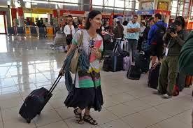 Yoani Sanchez chega ao Aeroporto Jose Martí - Cuba