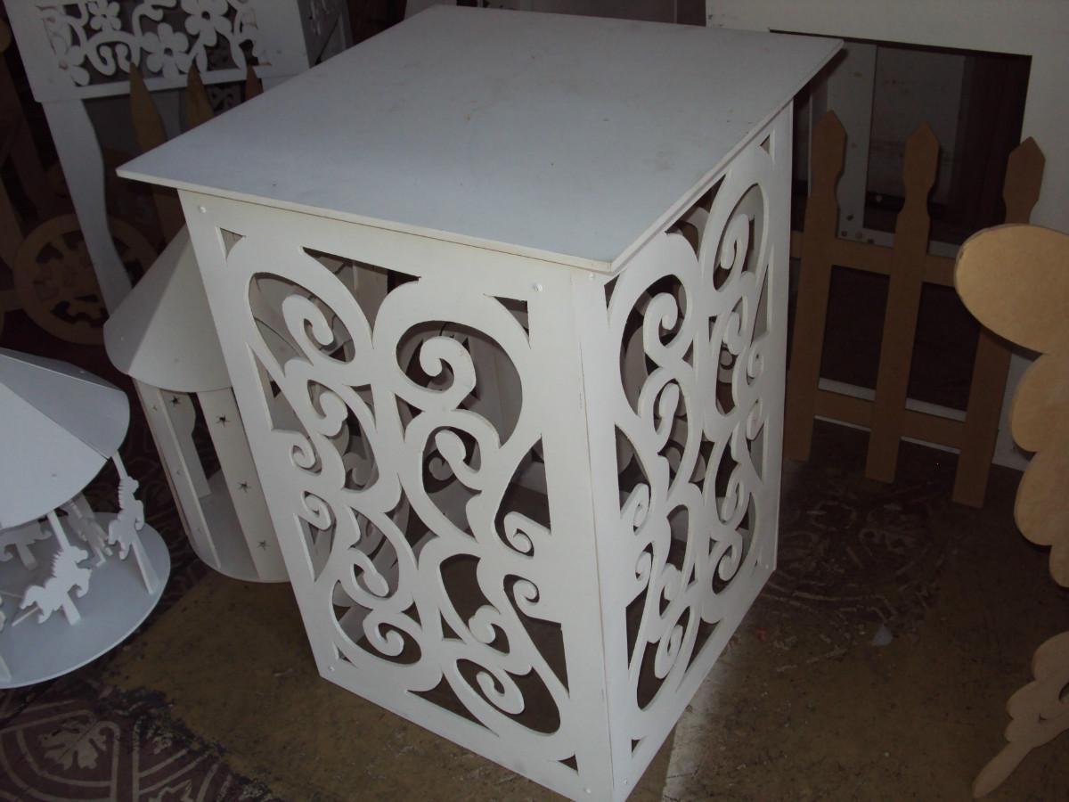 mesa cubo arabesco