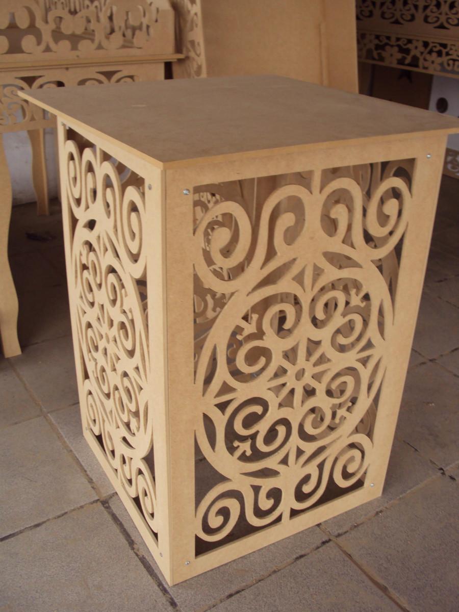 Mesa cubo em Arabesco