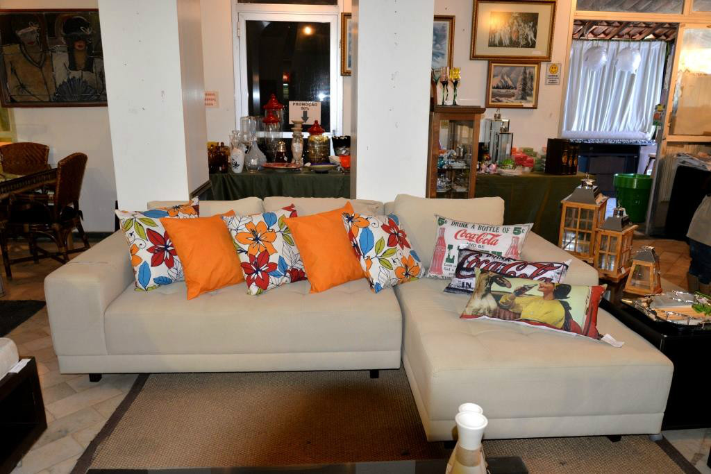 Ambientes Garage Sale open House