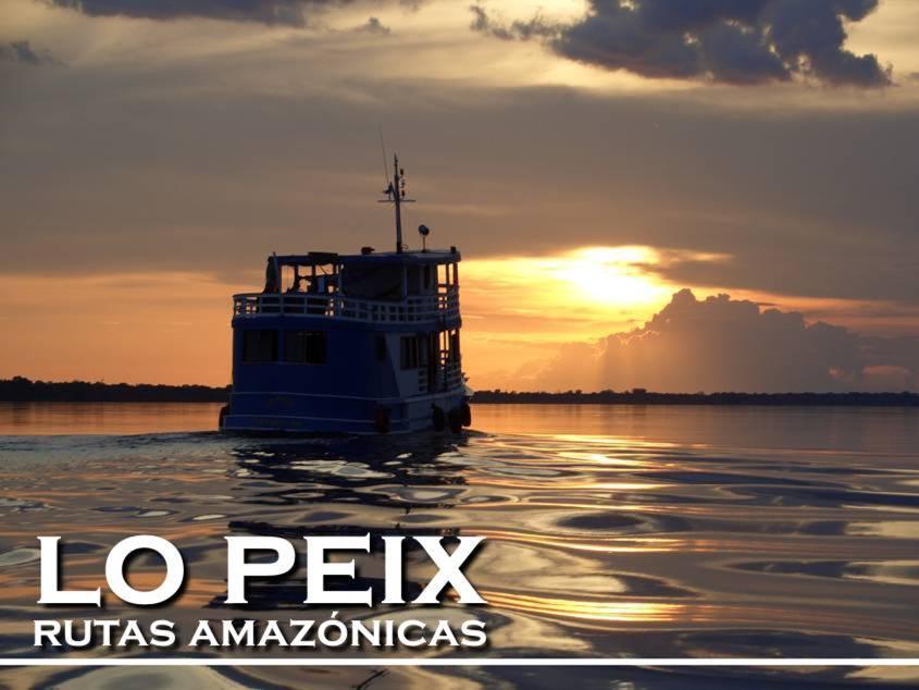 Barco Lo Peix Navegando Rio Negro Amazonas