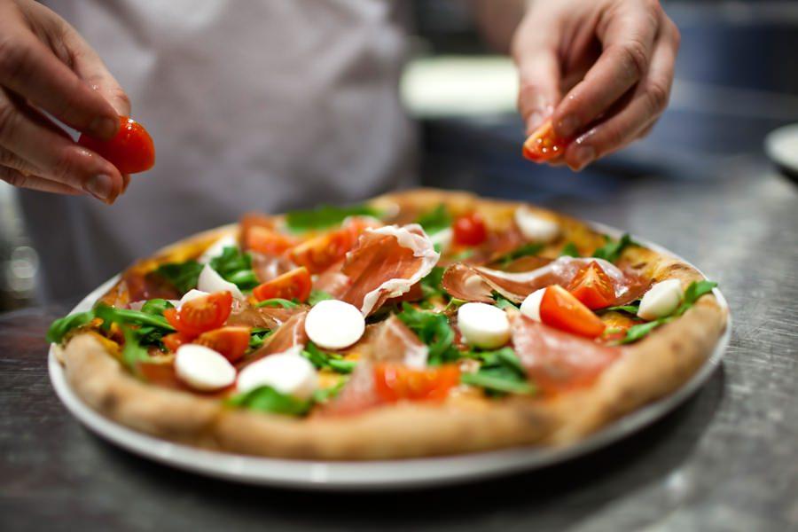Descubra como fazer deliciosas e pizzas