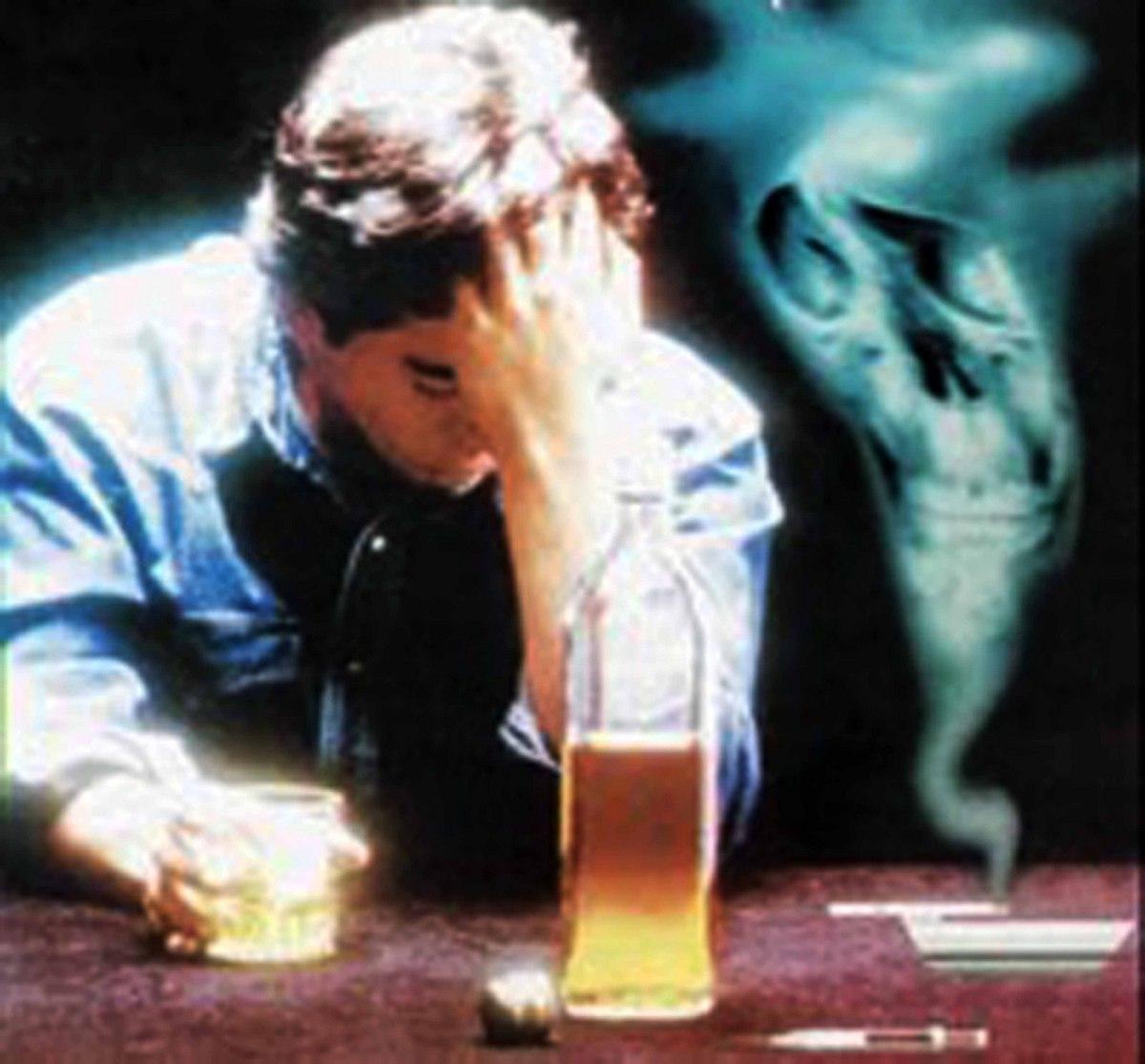 Resultado de imagem para bebida,cigarro e umbral