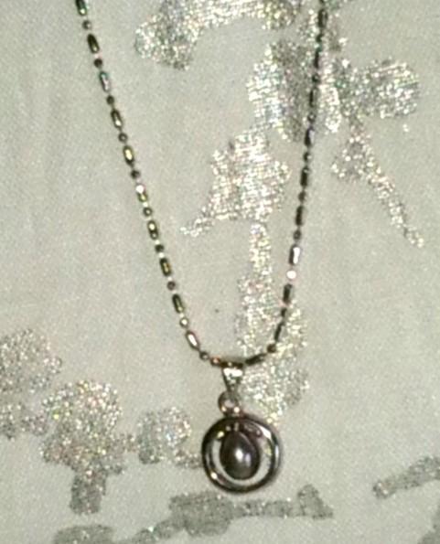 collier en argent 925 et pendentif en perle noire