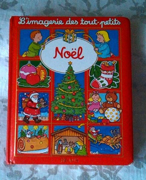Noël ; un livre avec un conte et des chansons de Noël pour les tous petits enfants.